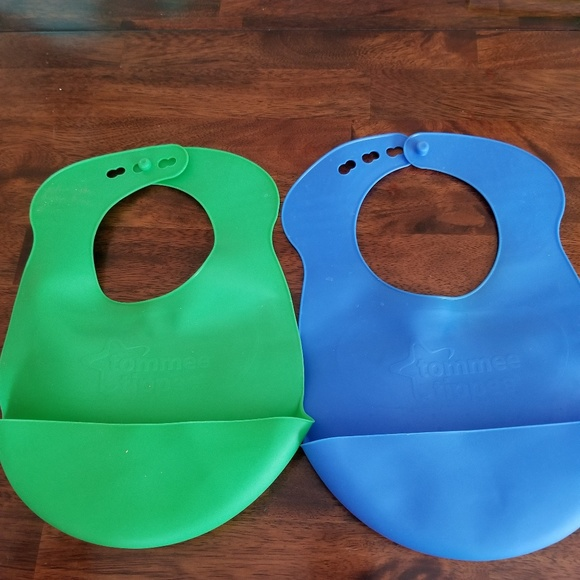 Other - NWOT Tommie Tippee rubber bibs